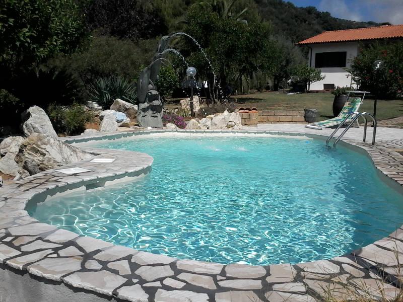 Piscine isola d 39 elba costruzione manutenzione e assistenza - Foto di piscine interrate ...